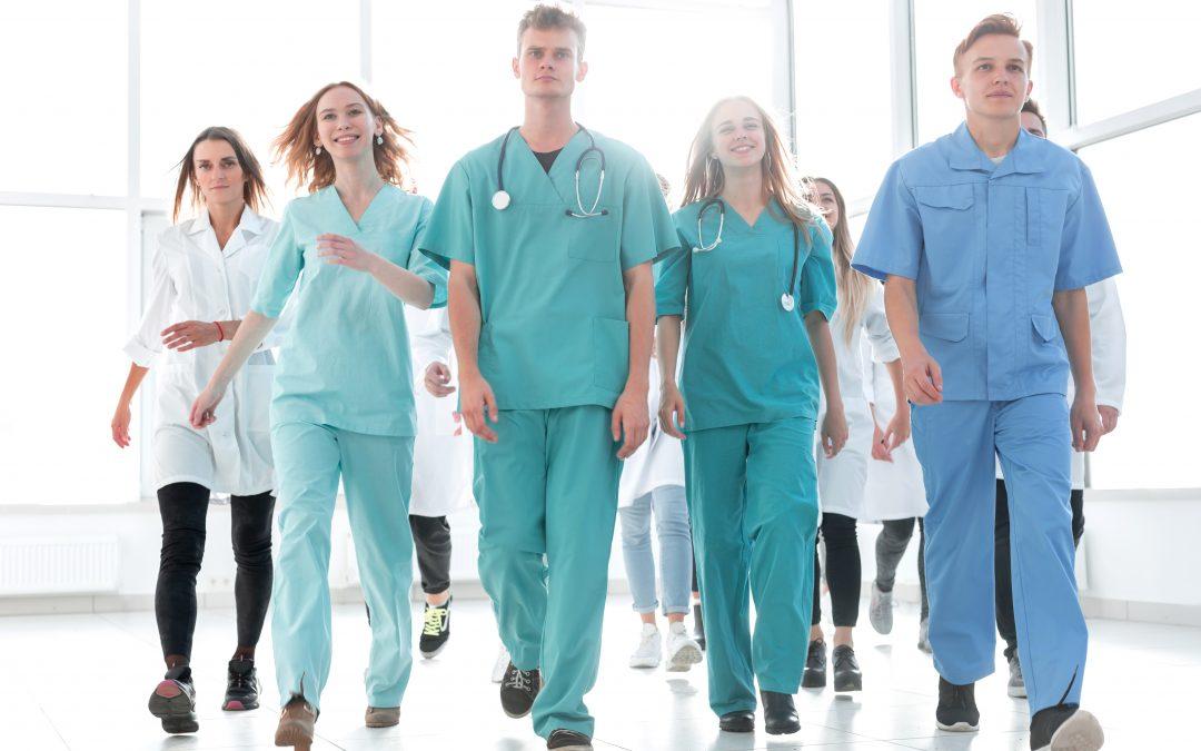 Praxis-Knigge für Ärzte und Mitarbeiter: Taktvoller Umgang mit Patienten
